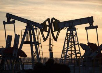 ارتفاع أسعار النفط وسط محدودية العرض