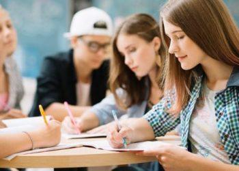 السماح للطلبة الأجانب بالدراسة في أوكرانيا بعدة لغات