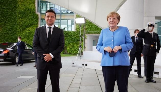 زيلينسكي: ألمانيا أحد الشركاء الرئيسيين لأوكرانيا