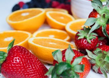 قنبلة فيتامين: كيف تأكل الفاكهة بشكل صحيح