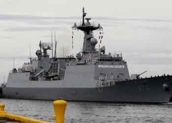 كوريا الجنوبية تعيد بحاراتها من رحلة الموت على سفينة موبوءة بفيروس كورونا