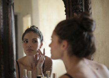 كيف تحمي بشرتك من الشيخوخة، 6 نصائح فعالة