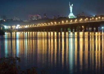كييف تسجل أسخن ليلة لهذا العام