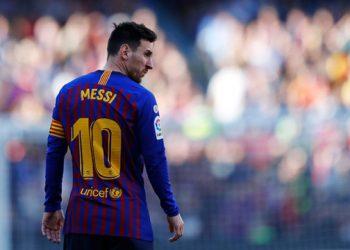 عقد ميسي مع برشلونة ينتهى