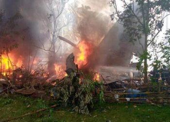 في الفلبين تحطم طائرة عسكرية: بلغ عدد الضحايا29
