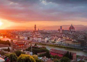 في المنتجعات الإيطالية، سيتم تغريم السائحين للتنزه ليلاً في المركز