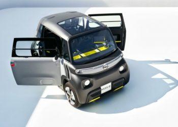 أوبل أظهرت سيارة كهربائية صغيرة بسرعة 45 كم / ساعة