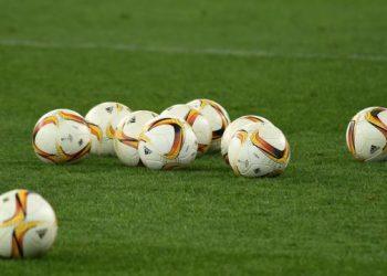 أين يمكن مشاهدة مباريات الجولة الثالثة من الدوري الأوكراني الممتاز لكرة القدم؟