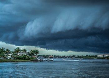 """إعصار """"جريس"""" سيغطي المكسيك"""
