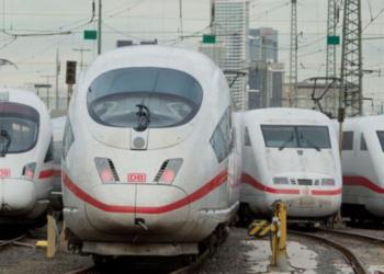 اضراب عمال السكك الحديدية في ألمانيا مطالبين برفع الأجور