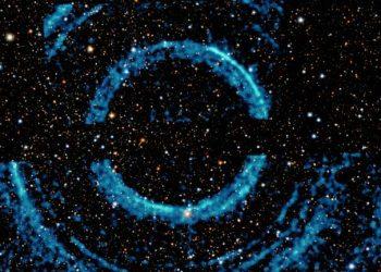 اكتشاف حلقات تشبه حلقات زحل في أحد الثقوب السوداء