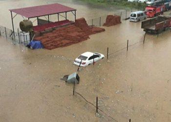 الفيضانات تضرب تركيا وتخلف 40 قتيلا و العديد من المفقودين