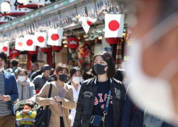 اليابان تبدأت بإعلان أسماء المخالفين للحجر الصحي