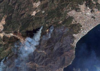 رؤية الحرائق في تركيا من الفضاء