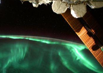 رائد فضاء وكالة الفضاء الأوروبية التقط صورة للشفق القطبي من محطة الفضاء الدولية
