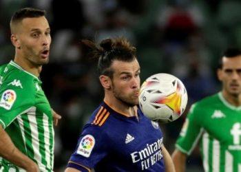 ريال مدريد فاز على بيتيس وقاد الدوري الاسباني