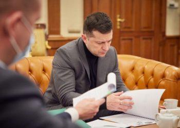 زيلينسكي سيلتقي وتاران مع رئيس البنتاغون اليوم