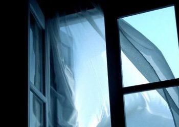 سقوط طفل من نافذة الطابق الرابع في نيكولاييف