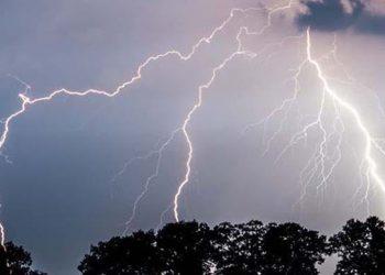 عواصف رعدية في غرب أوكرانيا وخاصة كييف يوم الأحد.