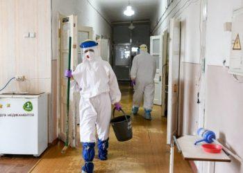 في أوكرانيا، تسجيل 984 حالة إصابة بفيروس كورونا يوميًا