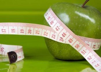 كم يبلغ عدد السعرات الحرارية في التفاح؟