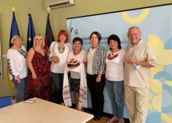 متطوعون من أوكرانيا وصلوا إلى ألمانيا بدعوة من الجالية الأوكرانية
