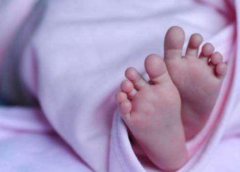هل يُسمح للأم إرضاع طفلها بعد الإصابة بكورونا او بعد التطعيم؟؟