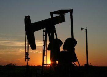 وكالة الطاقة الدولية: سلالة دلتا تقلل الطلب على النفط