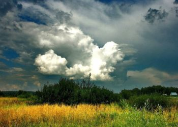 يوم الخميس عواصف رعدية مصحوبة ببرد متوقعة في أوكرانيا