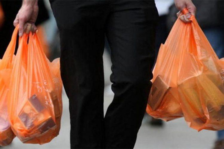 إسبانيا تحظر بيع الفواكه والخضروات في أكياس بلاستيكية