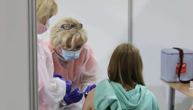 اعطاء 6.5 مليون لقاح ضد فيروس كورونا في أوكرانيا