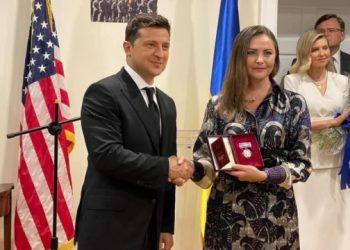 زيلينسكي يزور البيت الأوكراني في واشنطن وسيتوجه إلى كاليفورنيا