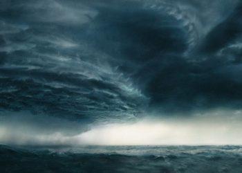 عاصفة استوائية في المحيط الأطلسي ويمكن أن تتحول إلى إعصار