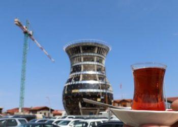 في تركيا بناء مبنى 29 مترًا على شكل فنجان شاي