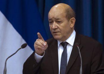 وزير الخارجية الفرنسي يتهم أستراليا والولايات المتحدة بالكذب والدهاء