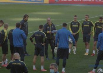 تجهيزات المباراة بين المنتخب الأوكراني وفرنسا