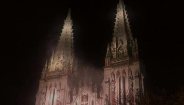 التحقيق في حريق الكنيسة