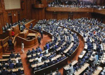 الحكومة اليابانية تعلن استقالتها