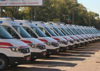 المؤسسات الطبية في منطقة تشيرنيهيف تستقبل عشرين سيارة إسعاف جديدة