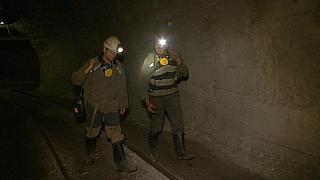 زيلينسكي: أن الوضع مع مناجم لفيف ودنباس صعب